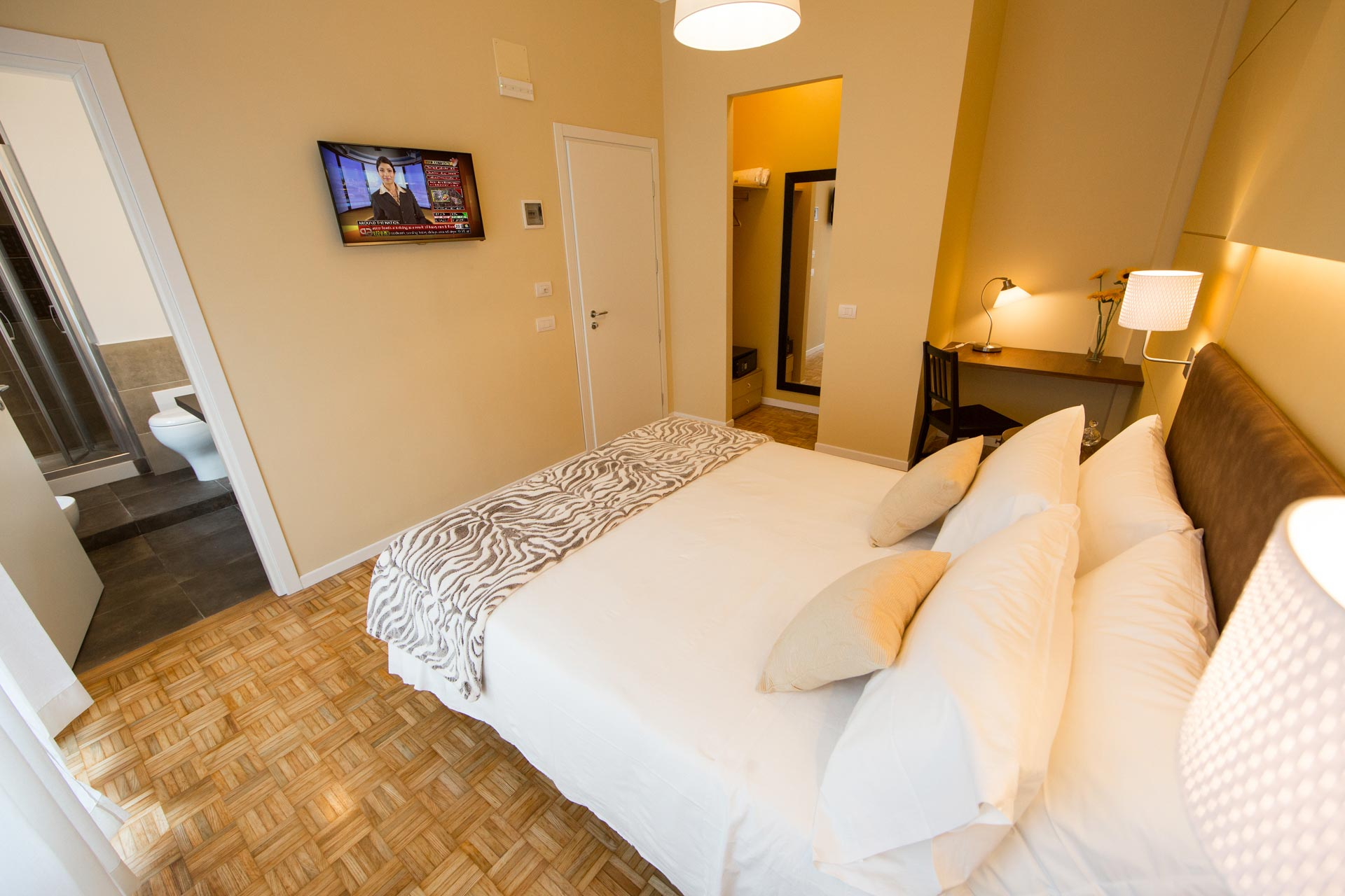 bed-and-breakfast-rome-Mediterranean-lounge-room-7