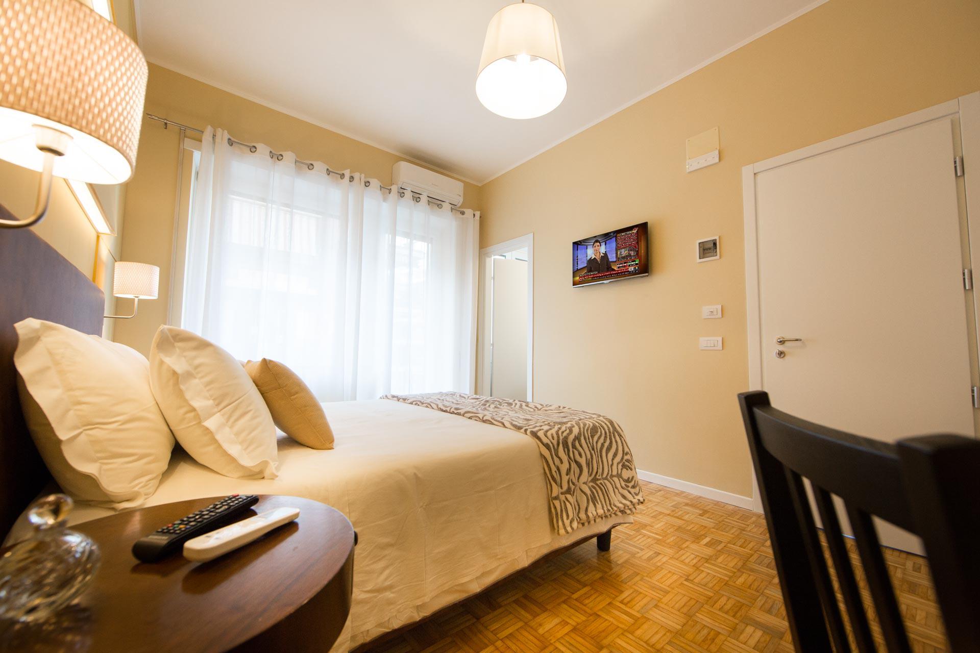 bed-and-breakfast-rome-Mediterranean-lounge-room-edit